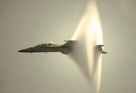 Sonic Booms of Supersonic Flights